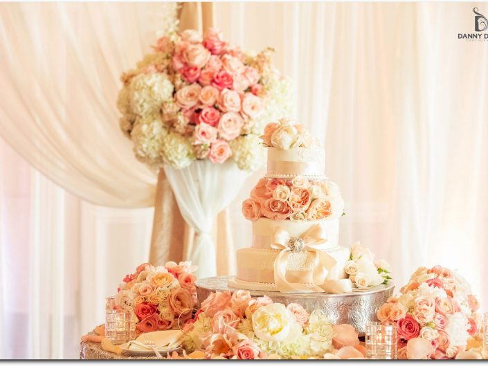 Newcastle Golf Club Peach Blush Wedding cake