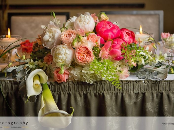 Seattle-Floral-Design-reception-sweetheart-peach-blush-coral-peony-garden-rose-freesia-Willow-Lodge