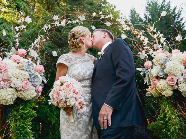 Seattle-Floral-Design-wedding-arch-peach-blush