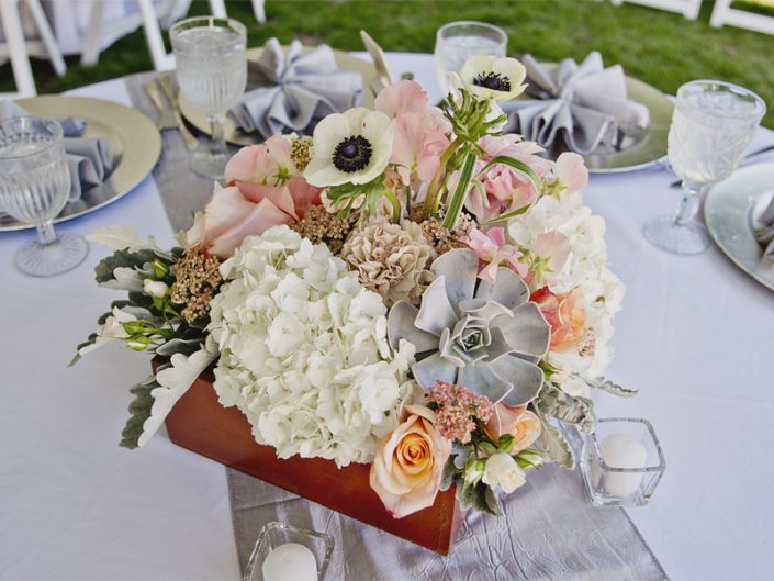 Seattle-Floral-Design-wedding-centerpiece-wooden-box-garden-rose-anemony-succulent-reception